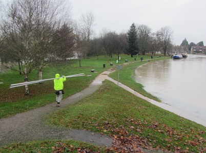 River Thames continues to rise