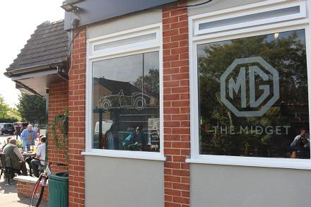 Midget Pub