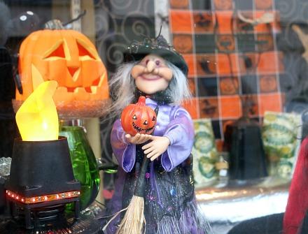 Halloween Shops