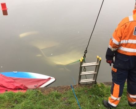 Car rescued from River Thames in Abingdon