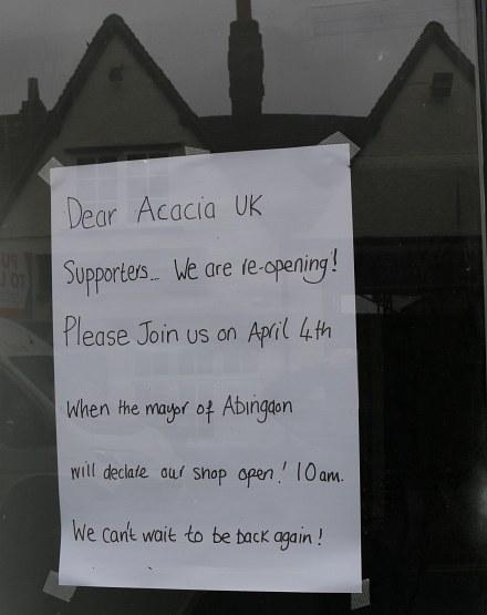 Acacia UK shop